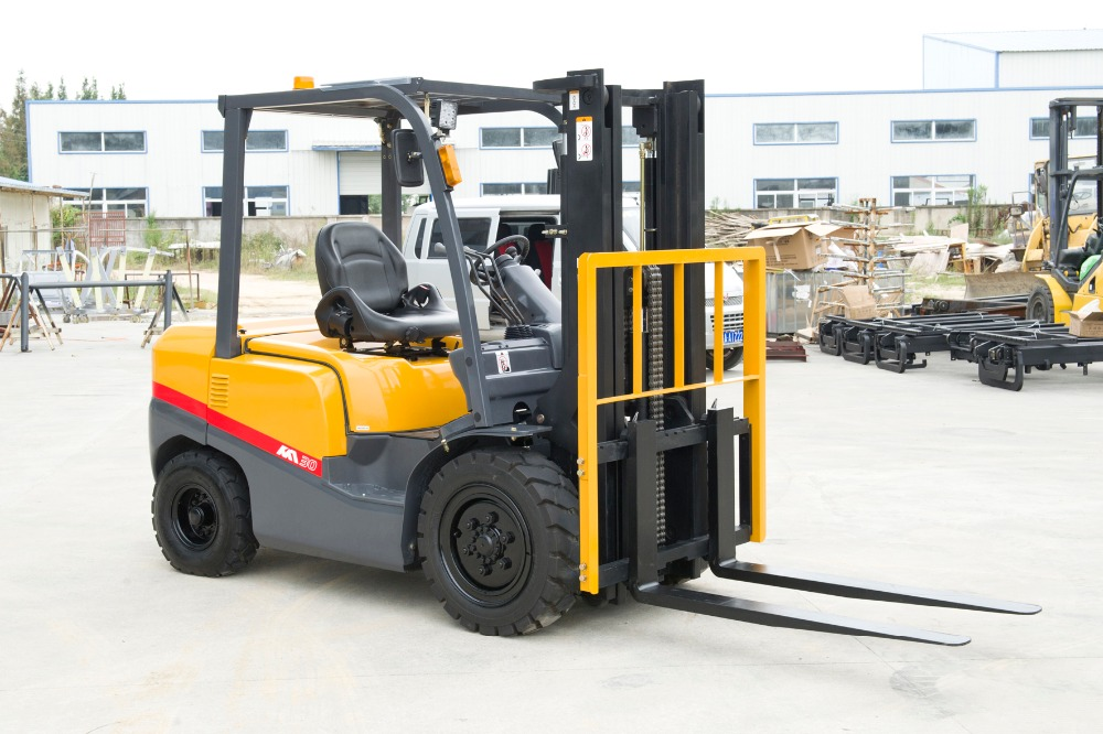 Factory Supply Cheap forklift truck FD20 with nissan engiine,good condition