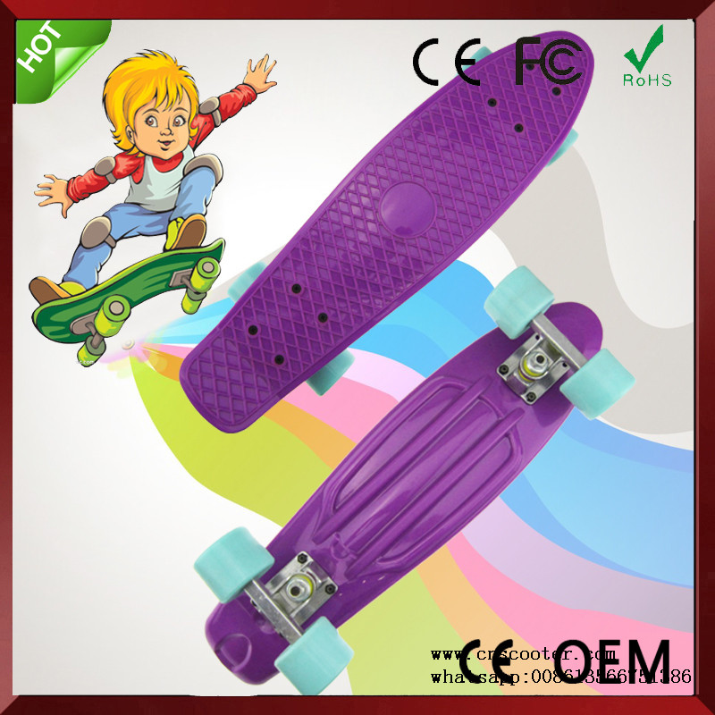 fish style plastic skate board with 4 led wheels