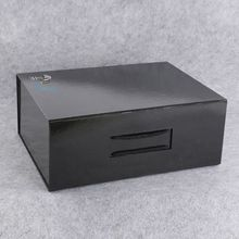 black foldable cardboard box with rope handle