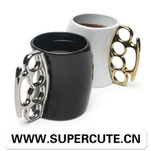 Brand New Customized logo priniting fist shape handle mug <strong>cup</strong>