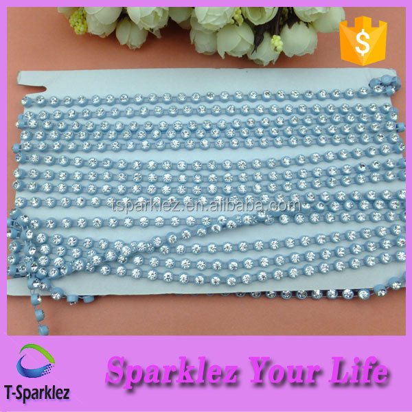 China Royal Luxury Plastic 4mm Bead Chain For Wedding Decoration
