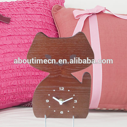 Kids wooden table clock/personalized alarm clock with bathroom clock design