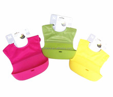 Wholesale Comfortable Roll up Silicone Pocket Baby Bibs, FDA Approval Washable Infants Silicone Bibs with Catcher