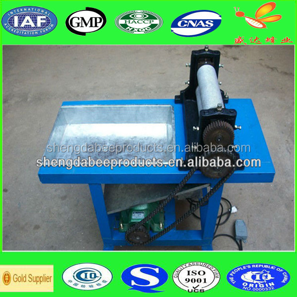 Automatic beeswax foundation stamping machine with salver