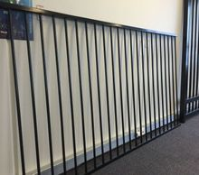 Powder Coated Steel Universal Style,2 Rail Domestic Fence