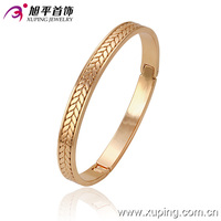 51256-xuping new style gold no stone screw bangle models design