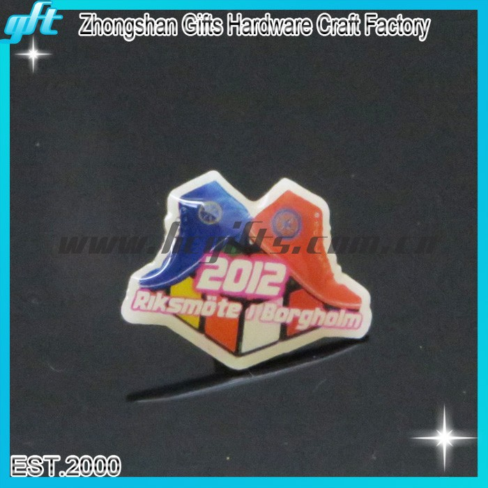 Shoes and magic cube pattern offset printing badges metal epoxy badges