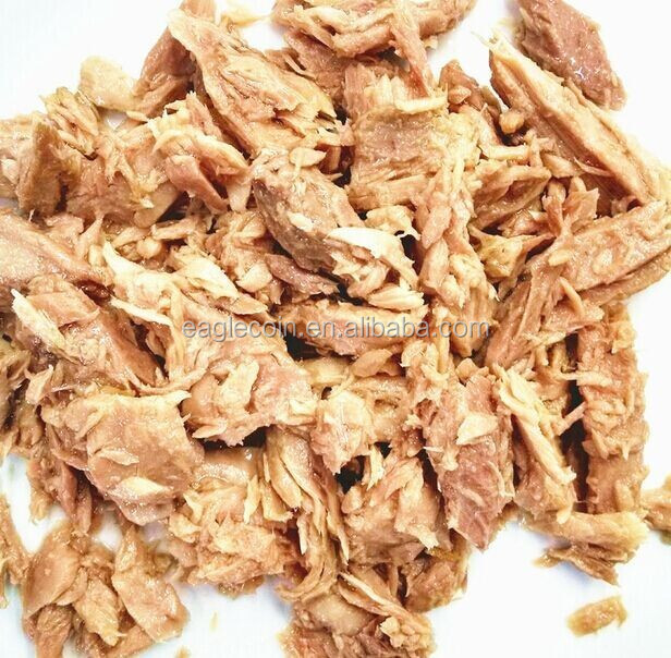 Tuna fish can Low fat healthy food organic canned tuna canned food products