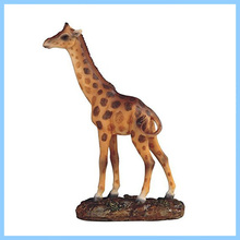 Hot sell Baby Giraffe Standing Statue Figurine,Resin Animal Statue
