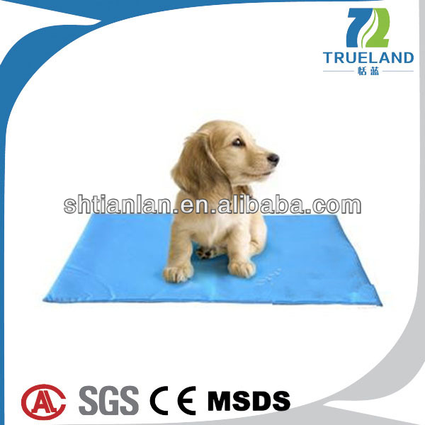 2014 New Product Dog Cooling Mat Cooling Gel Mat for Pet Cooling Pet Beds