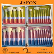 Super soft synthetic hair gradient color 14pcs high end makeup brush set rainbow handle with white zipper makeup bag