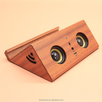 2016 new design Lovely smail face High-end mobile phone amplifying wooden induction speaker box