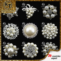 Wholesale Hot Selling Bulk Rhinestone Brooch For Wedding Cards