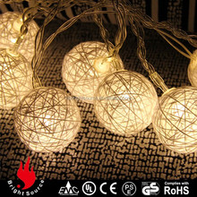 2015 Nice Looking Battery Operated Cotton Ball String Lights