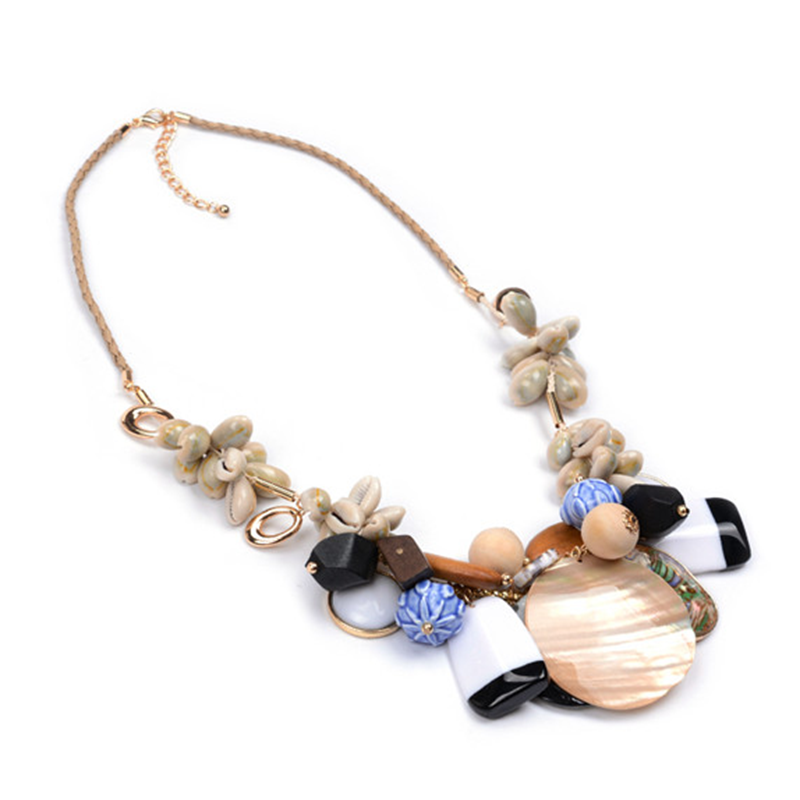 <strong>New</strong> Design Lady's Fancy Cowry Shell Necklace
