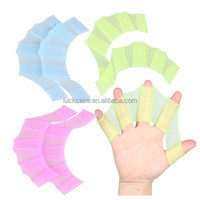 Amazon Newest Soft Silicone Swimming Gear Fins Hand Webbed Flippers Training Glove Fingers Training Webbed Hand Gloves
