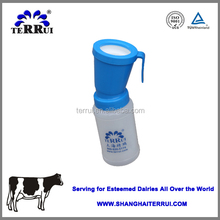 Hot sale new design cheap plastic veterinary cow teat dipper