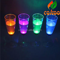 2014 New arrival factory wholesale water activated led glowing champagne glass from China