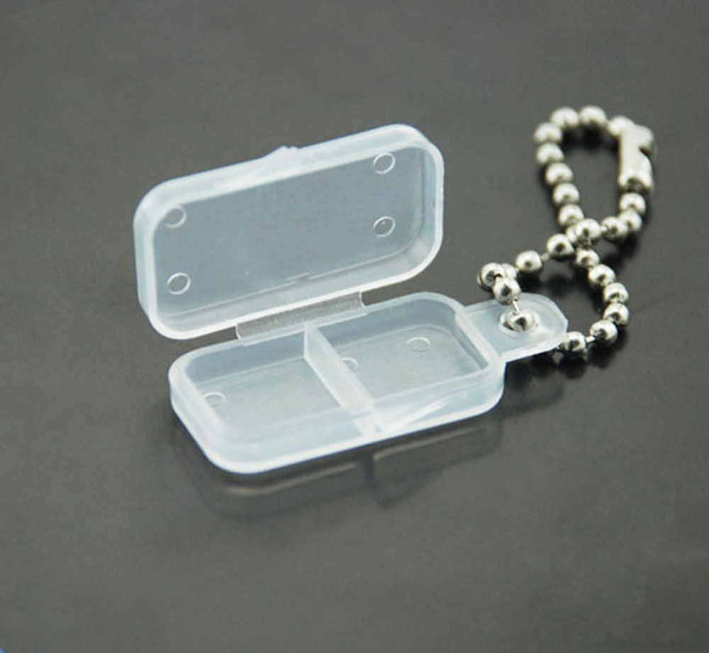 Key chain small size battery carrying case with 2 batteries