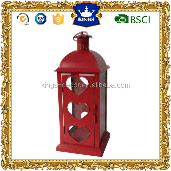 Metal & Glass Delightful the shape of the love heart red metal lantern