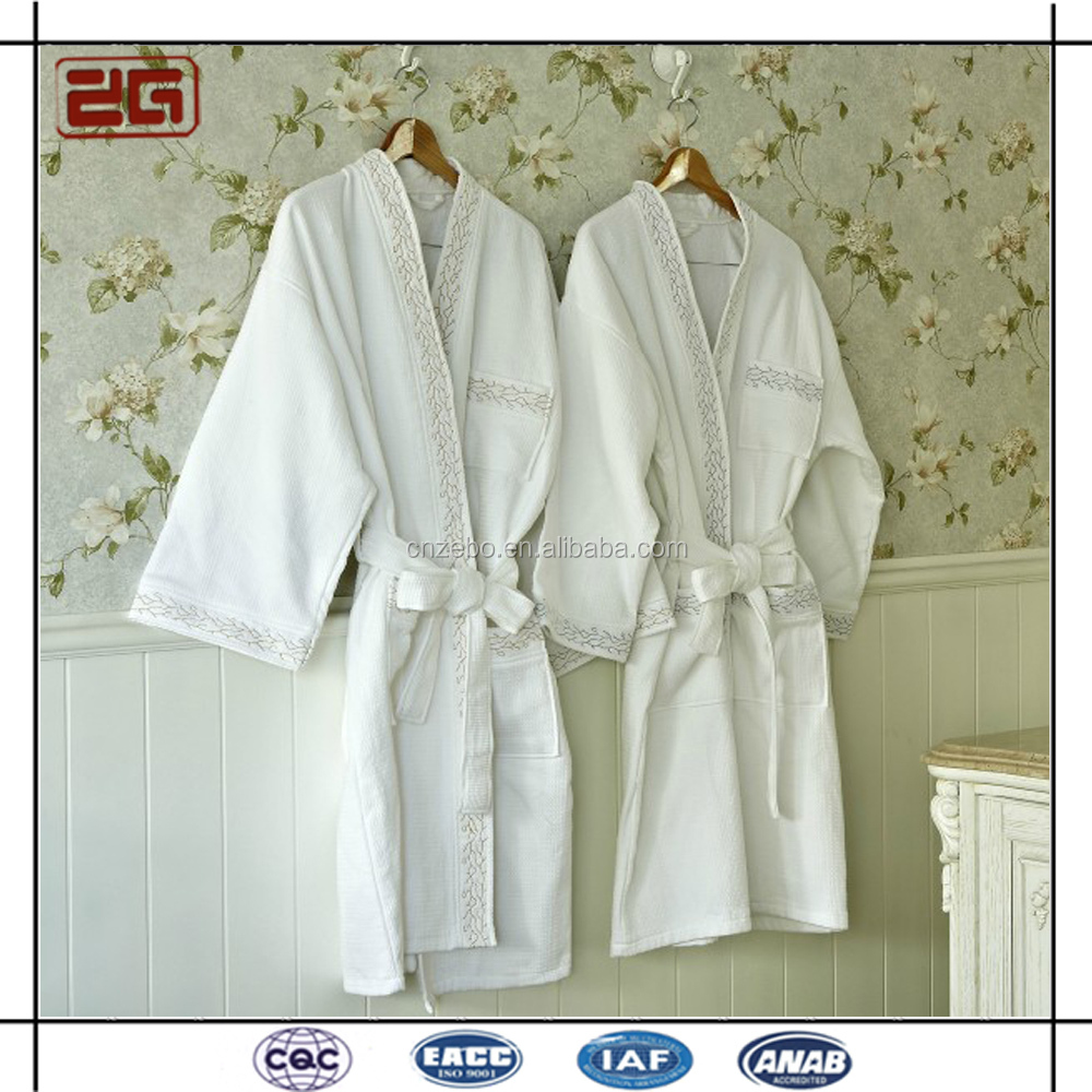 High Quality Waffle Fabric with Embroidery Cotton White Custom Bathrobe