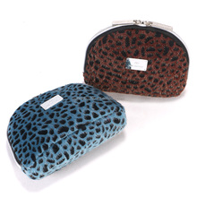 Custom leopard flannel cosmetic bag/party flannel makeup bag/soft girl flannel pouch
