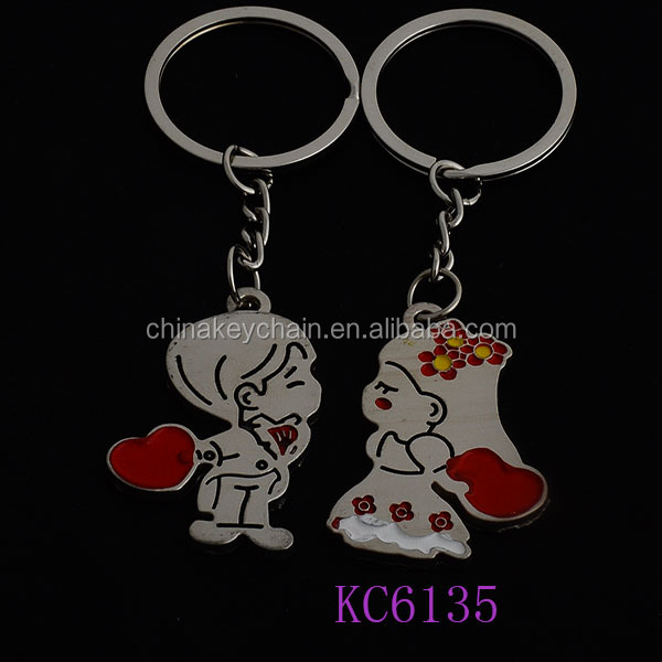 Fashion Lovely Metal in kiss boy and girl couple keychains