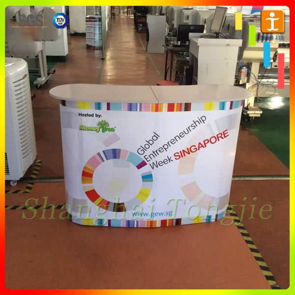 Lightweight portable pop up counter display