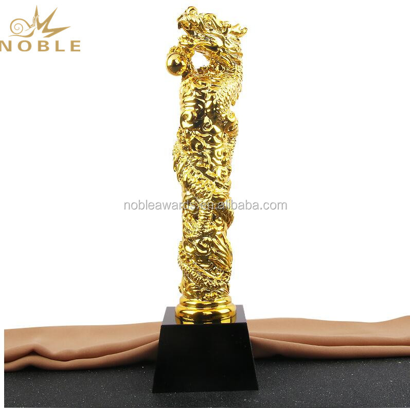 Wholesale Dragon Animal Shape Resin Figurine Trophy