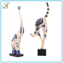 Top quality home decor resin cat figurines , Custom resin cat statues