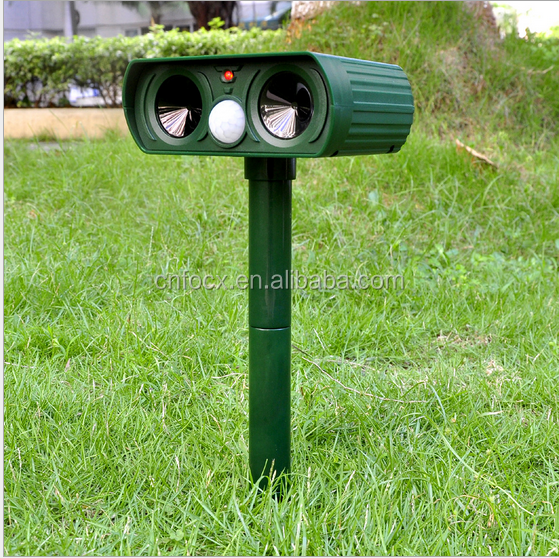 Solar Power Ultrasonic Signals Animal Repeller Outdoor Birds / Animal bird mosquito pest repeller
