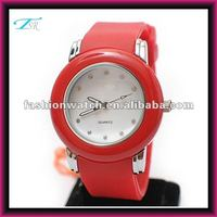 China Shenzhen factory silicone clocks hours are wrist watches fashion