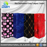 Customed Luxury Embossing Red Checkered Pattern Wine bottle paper gift bags