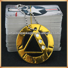 Custom logo embossed gold hot stamping dimond round hang tag with metal string