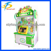 Fruit slice cutting coin operated games vending machine