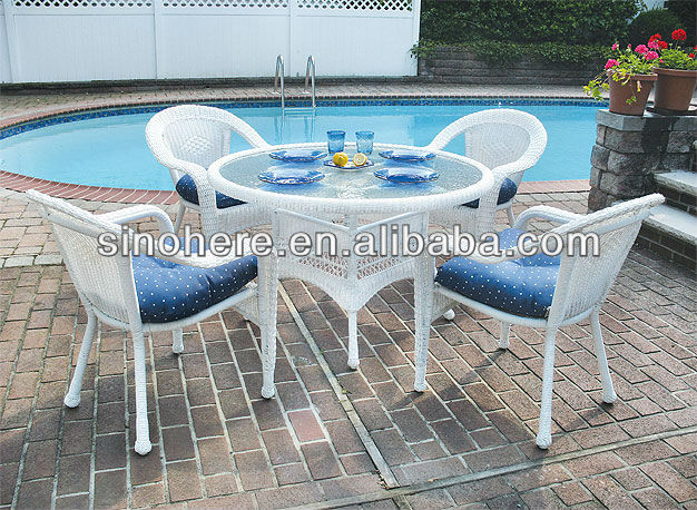 Outdoor white Rattan Dining Table Set with chair