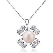 Best Selling New High Quality Fashion Sterling <strong>Silver</strong> and Bright Freshwater Pearl Lovers Souvenir Four-leaf Clover Pendant