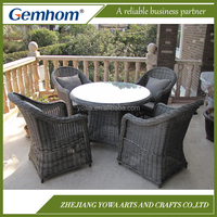 Top quality round patio dining set with table and chairs