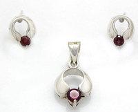 1.45ctw Garnet Gemstone 925 Sterling Silver Earrings & Pendant Jewelry Set Online Supplier