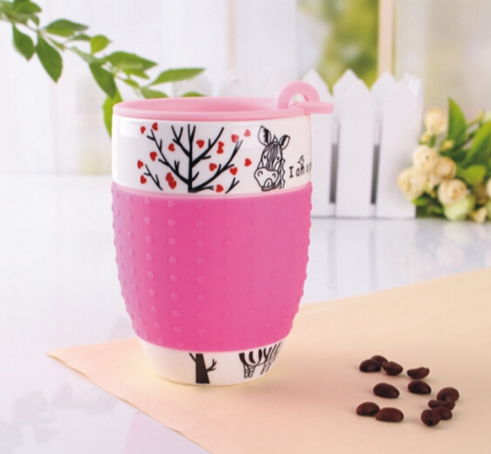 KC-00943 2013NEW!! ceramic mug with silicone sleeve