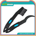 Bicycle chain cleaning brush