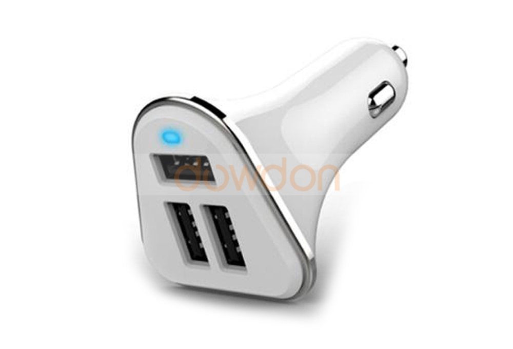 CE Rohs Universal 5V 5.2A Mobile Phone Fast Charger Adapter 3 Ports USB Car Charger for iPhone Samsung iPad HTC LG