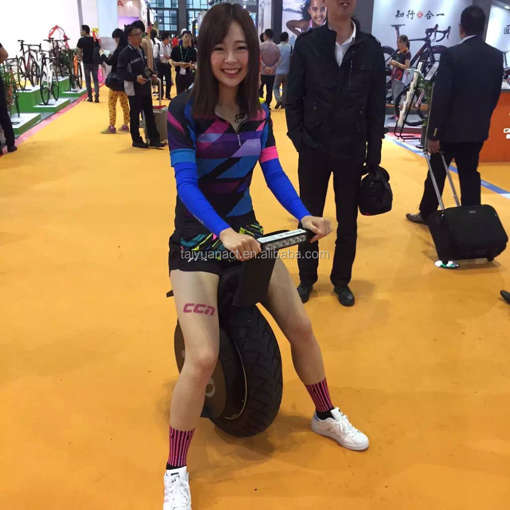 Smart Electric Chariot Vehicle More Stable than One Wheel Electric Scooter