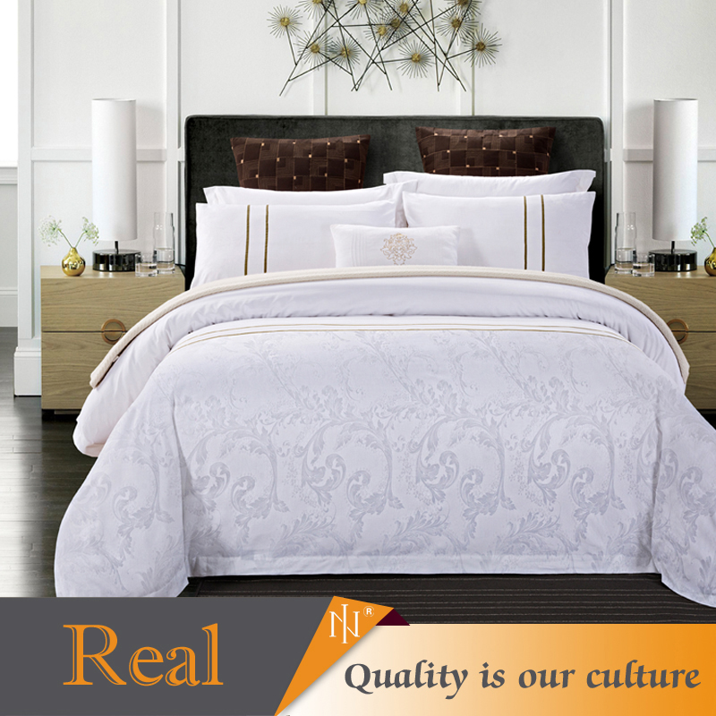 2017 hot sale fashionable 100% cotton hotel bedding