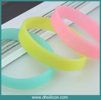 Silicone fashion design bracelet band