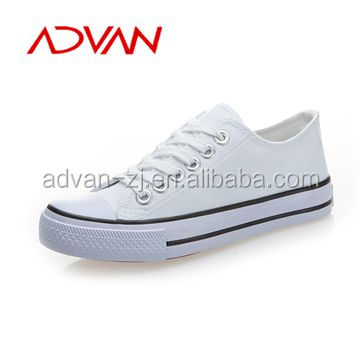 Hot sale China low cut white canvas shoes men rubber sole canvas shoes