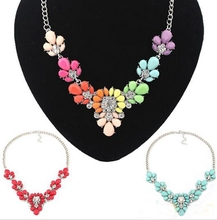 Wholesale Colorful resin Women Crystal Flower Statement Necklace Femme Collier Floral Choker Necklace for women