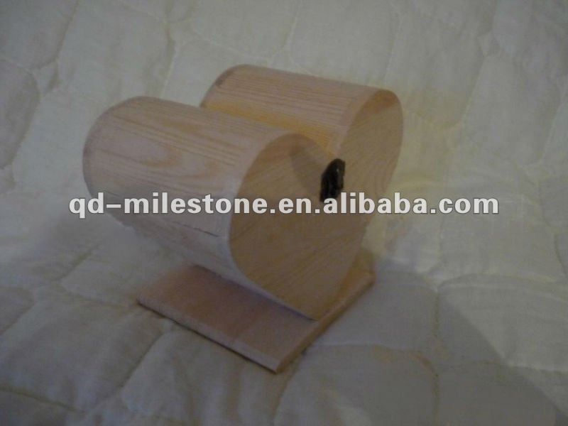 Fine craftmanship antique wooden heart shaped box