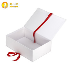 Wholesale custom made luxury magnetic closure texture paper gift box