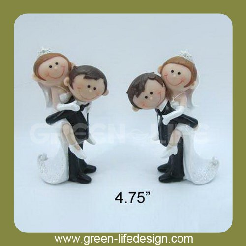 Resin wedding souvenirs old couple